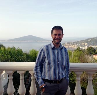 Claudio vor dem Vesuv