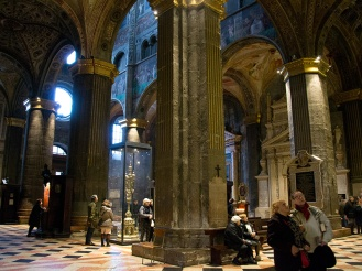 Columns in Cremona's Cathedral
