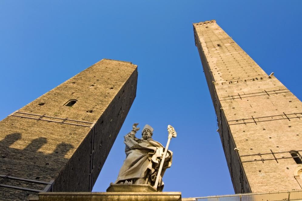 Emilia Romagna | The Asinelli tower in Bologna